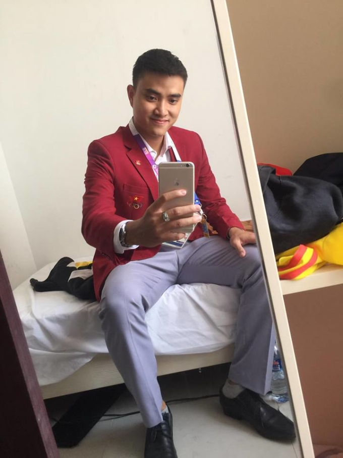 """<p> """"Hotboy đấu kiếm"""" được xem là người mang lại may mắn cho thể thao Việt Nam thời gian gần đây. Tại Olympic 2016, Việt Nam đã có tấm huy chương vàng lịch sử của Hoàng Xuân Vinh.</p>"""