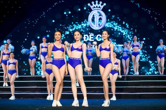 <p> Cũng trong đêm hội này, BTC đã công bố Top 3 Người đẹp thể thao, gồm Huỳnh Phạm Thủy Tiên (SBD 031), Bùi Phương Nga (SBD 486) và Lê Thị Hà Thu Chiêu (SBD 116). Danh hiệu Người đẹp thể thao sẽ được công bố trong đêm chung kết toàn quốc diễn ra vào ngày 16/9.</p>