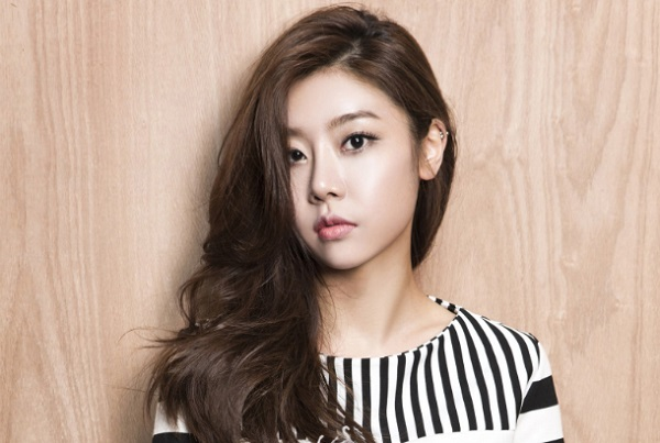 Những lần bị lừa tiền vì nhẹ dạ khiến idol Kpop ớn tới già - 1