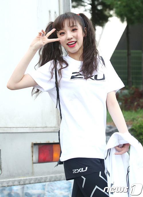 Thành viên người Trung Quốc Yuqi gây sốt bởi vẻ ngoài đáng yêu và khả năng tiếng Hàn trôi chảy.