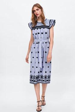 Chính xác! Đây là chiếc váy của Zara