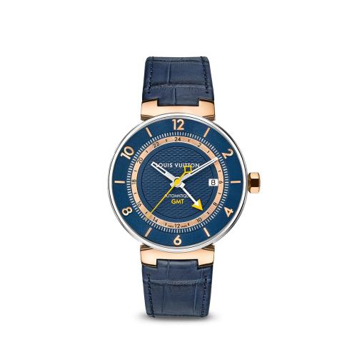 Chứng minh gu thời trang không phải dạng vừa, chiếc đồng hồ nhỏ nhắn gam màu xanh jeans pha lẫn ánh kim của giọng ca sinh năm 1994 cũng có giá lên tới 240 triệu đồng.