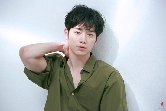 Bạn biết gì về chàng robot điển trai Seo Kang Joon? - 7
