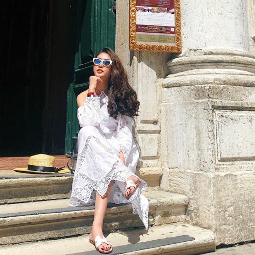 Từng thử sức và gặt hái được thành công khi đăng quang cuộc thi Hoa hậu sắc đẹp châu Á - Miss Asia Beauty 2017 và sau đó đoạt Top 8 Hoa hậu Liên lục địa - Miss Intercontinental 2017, trở về Việt Nam, Tường Linhluôn nhiệt tình tham gia các hoạt động thiện nguyện mang tính xã hội và cộng đồng.
