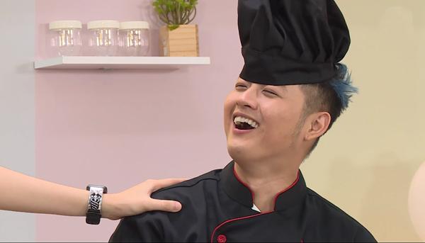 Với nguyênliệu đầy đủ hơn và tự tin về khả năng nấu nướng của mình, Thanh Duykhông cần sử dụng đến quyền trợ giúp. Tuy nhiên, kết quả lại cho thấy người chiến thắng là Gil Lê, khiến nam ca sĩ Người lạ thân quencảm thấy suy sụp, không dám tin vào vai tròbếp trưởng của mình.