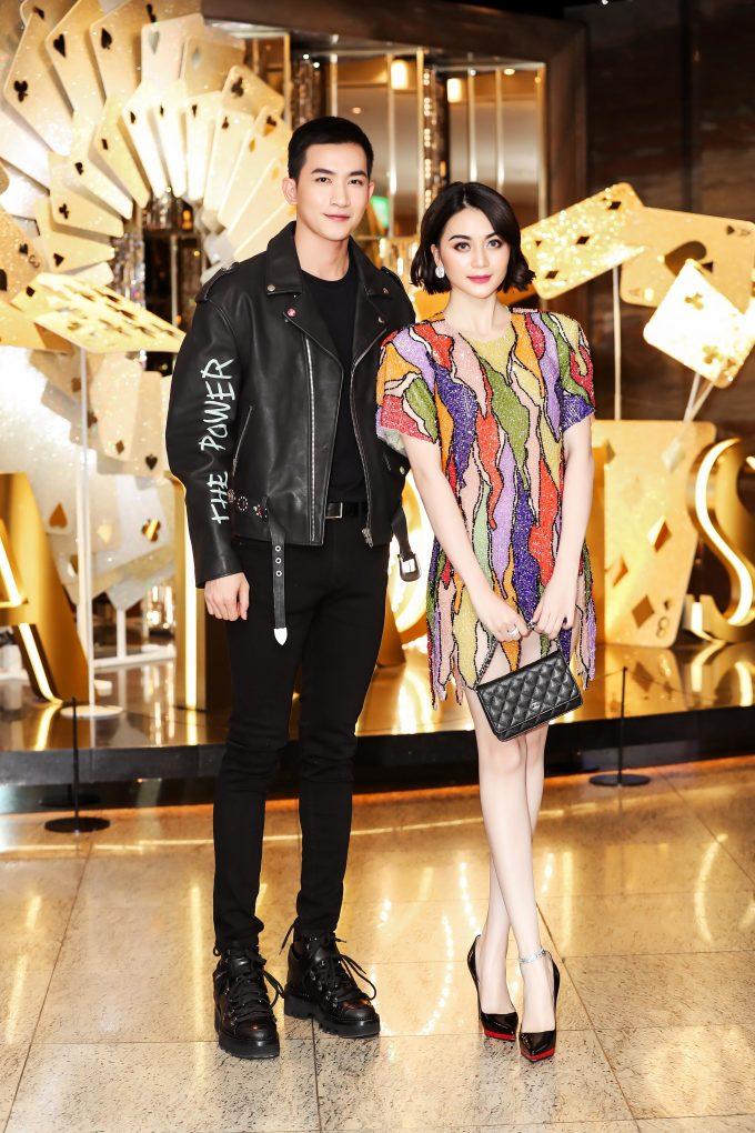 <p> Võ Cảnh bảnh bao sóng đôi bên nữ ca sĩ Thiều Bảo Trang. Trong đêm chung kết, anh sẽ có màn debut với vai trò ca sĩ.</p>