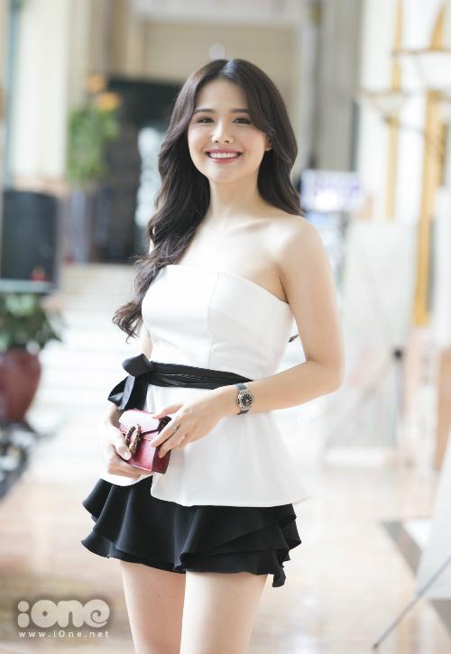Phanh Lee xuất hiện trẻ trung, xinh đẹptại buổi họp báo phim Yêu thì ghét thôi.