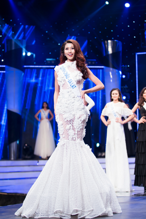 Quỳnh Châu - Top 5 Hoa khôi Áo dài, Top 15 Hoa hậu Hoàn vũ.