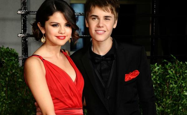 Justin và Selena thời còn mặn nồng bên nhau.