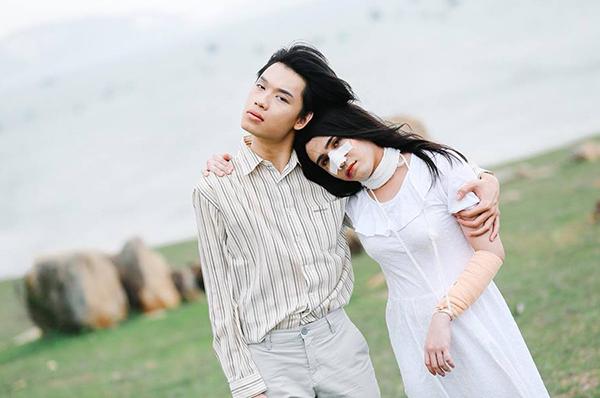 Huỳnh Lập và bạn diễn Quang Trung tiếp tục có màn kết hợp thú vị sau thành công của MV parody Em gái mưa.