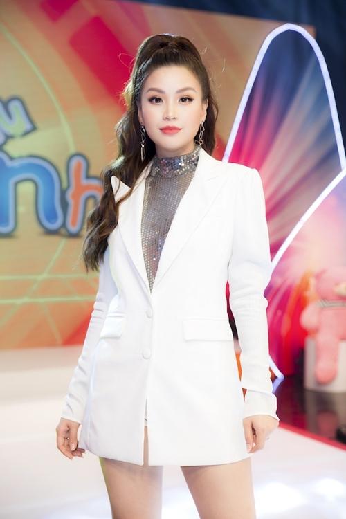 Gần đây, Diễm Trang còn biết đến vlogger về mảng làm đẹp. Cô thường thực hiện những clip chia sẻ kinh nghiệm về mẹ và bé cho hội mẹ bỉm sữa và nhận được sự ủng hộ tích cực.