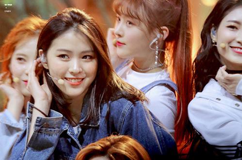 Shin Ryu Jin gia nhập JYP từ nhỏ, sở hữu nét đẹp tự nhiên. Cô nàng có khả năng trở thành công chúa thế hệ mới của JYP.