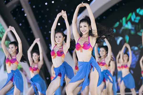 Top 3 Người đẹp biển của Hoa hậu Việt Nam 2018 diễn bikini bốc lửa - 1