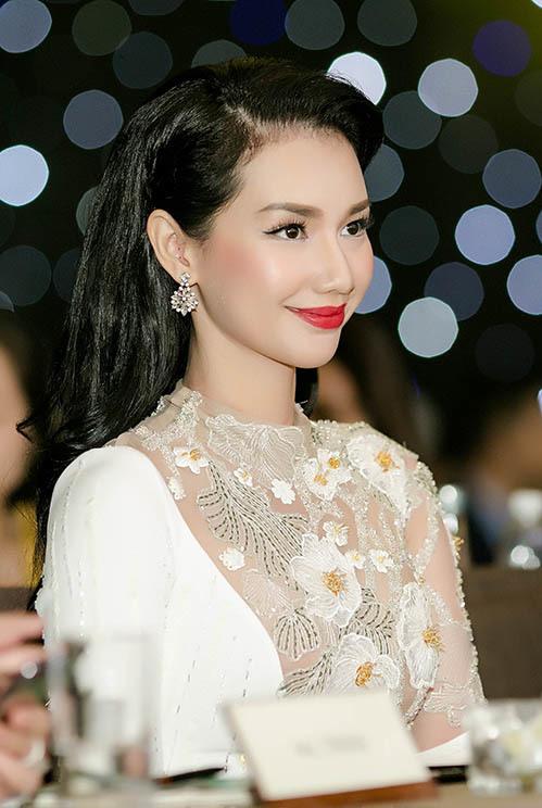 Quỳnh Chi mong muốn những bộ phim của cô sẽ truyền tải bản sắc dân tộc Việt, những khán giả trong và ngoài nước sẽ thay đổi nhận định về nền điện ảnh Việt Nam.