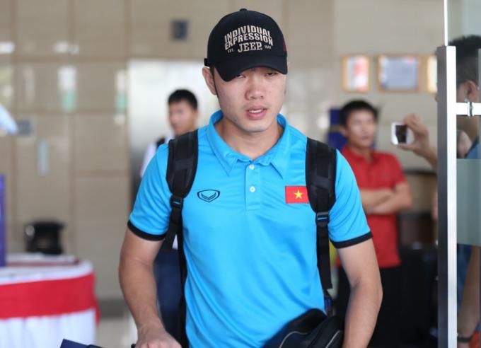 <p> Các cầu thủ Olympic Việt Nam sẽ đóng quân ở Cibibong, Bogor cho đến hết giải. Trận bán kết, chung kết đều diễn ra trên sân Pakansari, Cibinong, Indonesia.</p>