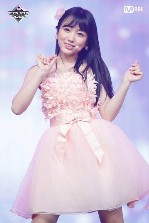 Top 20 Produce 48 khoe thần thái trên sân khấu trước chung kết - 9