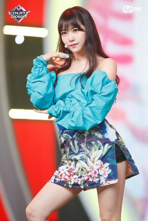 Top 20 Produce 48 khoe thần thái trên sân khấu trước chung kết - 8