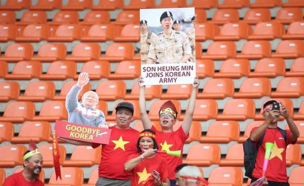 Ý tưởng này đã trở nên khả thi khi được một nhóm CĐV Việt Nam áp dụng. Ảnh: Lâm Thỏa.
