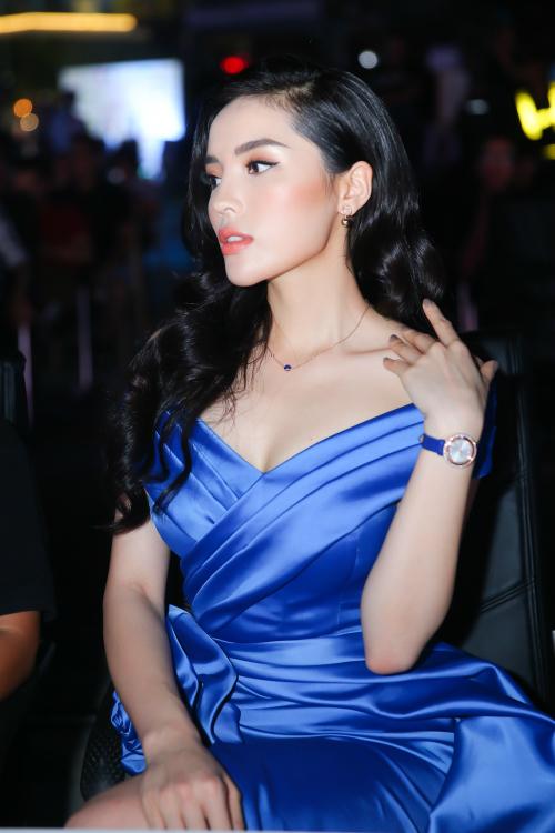 Kỳ Duyên ngồi ghế giám khảo khách mời đêm thi Người đẹp thời trang.