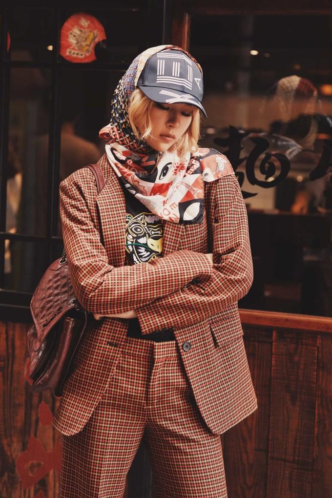 <p> Mới đây, người đẹp thực hiện bộ hình street style, chia sẻ với người hâm mộ loạt trang phục được phối ngẫu hứng nhưng cũng đầy bắt mắt, thể hiện gu thời trang tinh tế.</p>