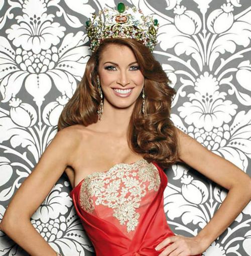 Osmel Sousa - Chủ tịch tổ chức Miss Venezuela chính là người đưa ra quyết định khó hiểu này.