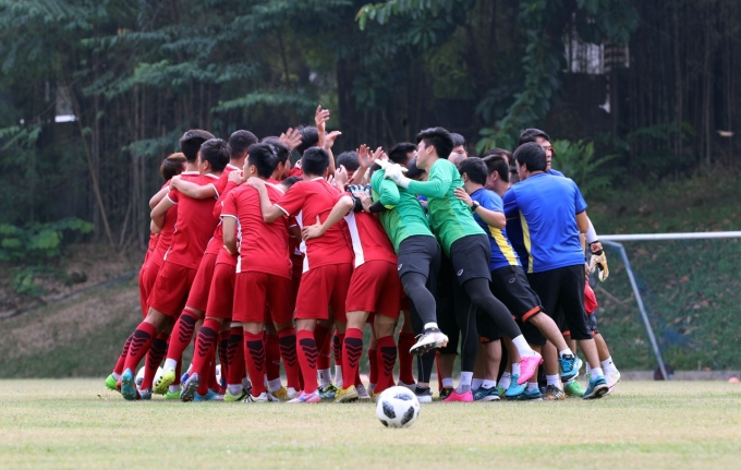 <p> Trận đấu tranh HCĐ giữa Olympic Việt Nam và Olympic UAE sẽ diễn ra lúc 15h ngày 1/9.</p>