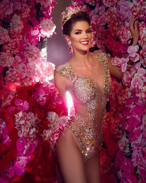 2. Á hậu 1 Hoa hậu Venezuela 2017Giữa tháng 8 vừa qua, fan của các cuộc thi sắc đẹp trên thế giới bất ngờ trước thông tin Veruska Ljubisavljevic - Á hậu 1 của Hoa hậu Venezuela bị tước quyền dự thi Miss World năm nay. Không có bất cứ lý do nào được BTC đưa ra song, theo cư dân mạng, Veruska bị loại vì cô đã 27 tuổi, vượt quá số tuổi quy định. Thêm vào đó, cuộc thi Miss World cũng không mấy chào đón đại diện các quốc gia chỉ cử người đẹp giành ngôi vị Á hậu đi thi trong khi người đoạt vương miện lại tham dự Miss Universe - cuộc thi đối thủ.