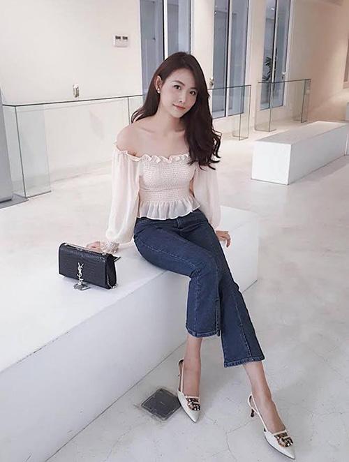 Trương Mỹ Nhân xinh đẹp trong các hoạt động sau khi đăng quang Á hậu Siêu quốc gia Việt Nam 2018.