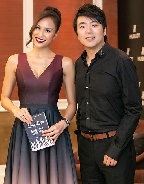 MC Phương Mai thân thiết bên Lang Lang.