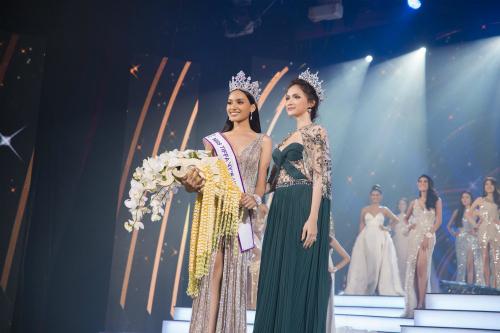 Hương Giang Idol tham dự chương trình với tư cách giám khảo. Trước đó, cô đăng quang Miss International Queen 2018.