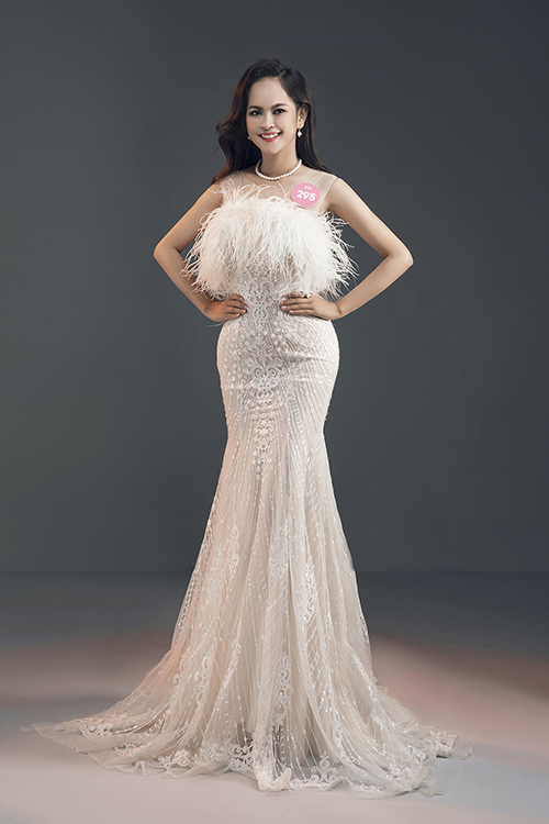 Thí sinh Đặng Thị Trúc Mai (SBD 295)  top 3 cô gái tranh ngôi vị Người đẹp biển.