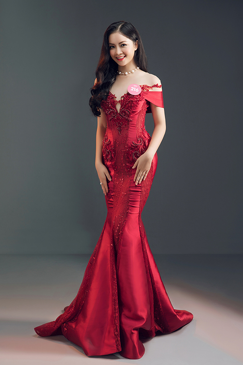 và Hà Lương Bảo Hằng (SBD  216) là thí sinh lọt top 3 Người đẹp du lịch.