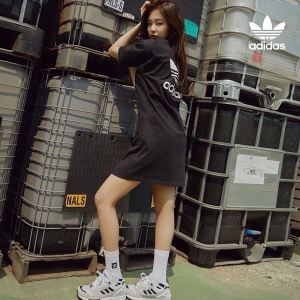 Trong khi đó, Jennie được cho là vẫn thua kém Seul Gi một chút về khí chất mạnh mẽ.