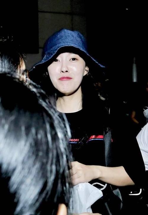 Biểu cảm nũng nịu dễ cưng của Hyomin khi đến Việt Nam - 1