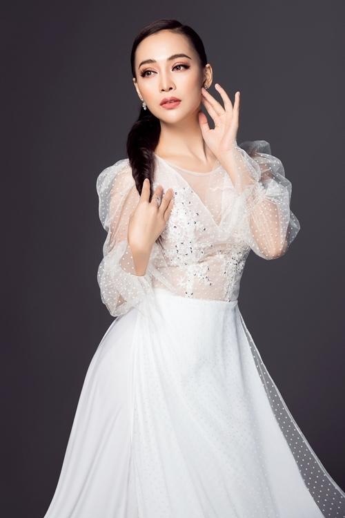 Quán quân Duyên dáng bolero Trần Mỹ Ngọc.