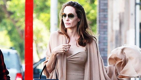 Hình ảnh mới nhất của Angelina.