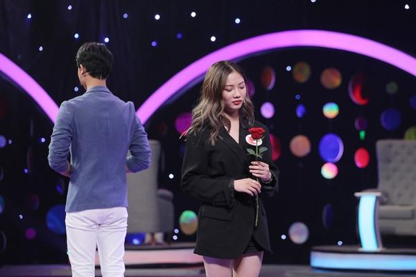Cặp đôi gây đau tim cho khán giả trước màn quyết định hẹn hò hay không.