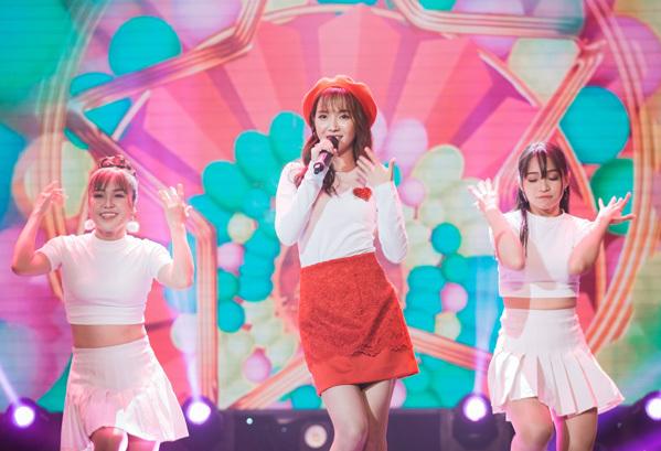 Jang Mi đã giới thiệu single mới nhất của mình là Sáng nay mưa cùng phần biểu diễn trẻ trung, tươi mới