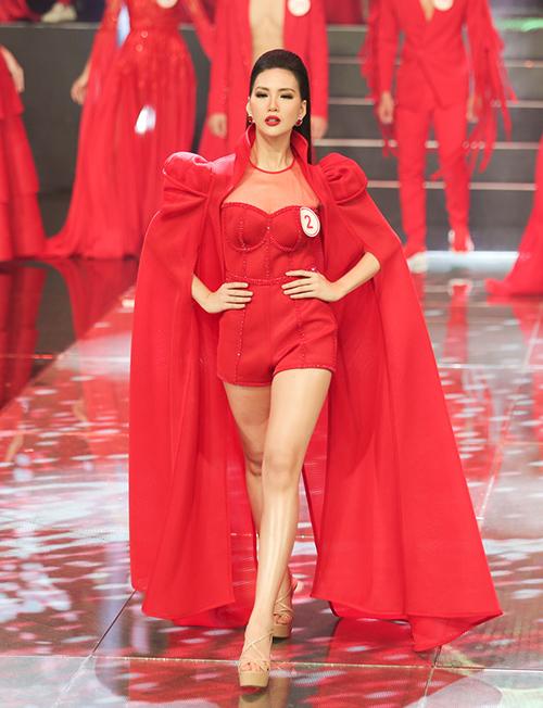 Siêu mẫu Việt Nam khiến khán giả tưởng lầm đang xem... thi hoa hậu - 1