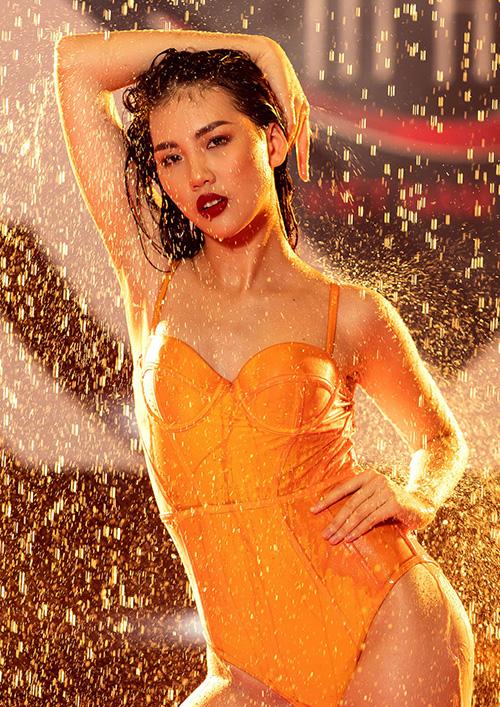Trong đêm chung kết, người đẹp có câu trả lời ứng xử thông minh về chủ đề cuộc thi. Ngoài giải Vàng, Quỳnh Hoa còn đạt thêm giải thưởng phụ Thí sinh có gương mặt đẹp nhất.