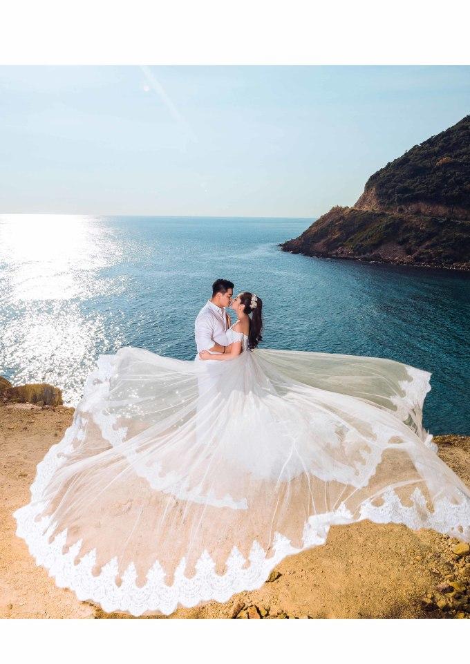 <p> Hoa hậu Đại dương 2014 tiết lộ sẽ tổ chức đám hỏi vào ngày 17/9/2018 tại Cần Thơ, hôn lễ sẽ diễn ra 2 tháng sau đó. Cô và ông xã đã cùng nhau thực hiện bộ ảnh cưới lãng mạn.</p>