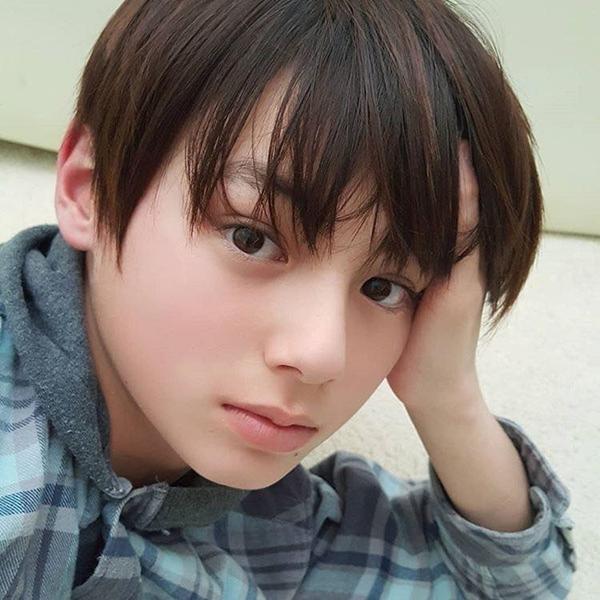 Cậu bé lai Đức - Nhật nếu debut hội chị em chỉ có nước xin chết - 7