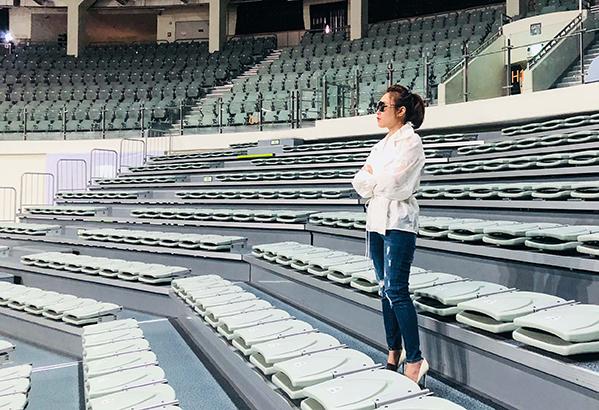 Sân vận động Jangchung dự kiến có sức chứa 8.000 người. Mỹ Tâm cho biết mọi công tác chuẩn bị đã được lên lịch chi tiết và bắt đầu bước vào giai đoạn triển khai.
