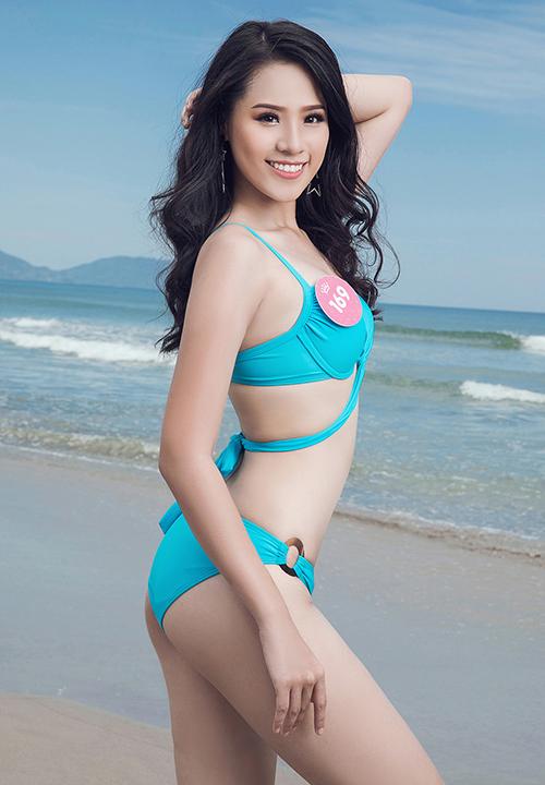 Thí sinh 18 tuổi sở hữu gương mặt sáng sân khấu, nụ cười rạng rỡ. Cô còn lọt vào Top 3 phần thi Người đẹp biển.
