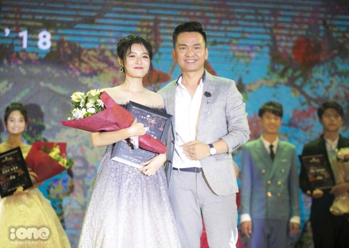 <p> Hoàng Phương Mai giành giải Đại sứ thân thiện.</p>