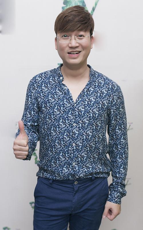 Ca sĩ - nhạc sĩ Sỹ Luân lâu lắm mới thấy tái xuất tại sự kiện của showbiz.