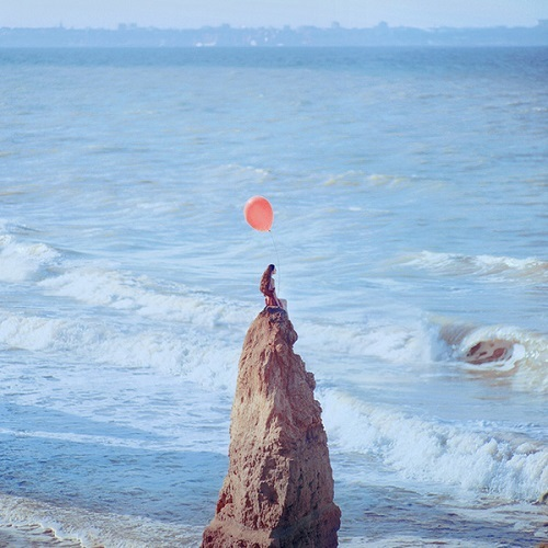 Trắc nghiệm: Vì sao bạn luôn cảm thấy cô đơn, lẻ loi?