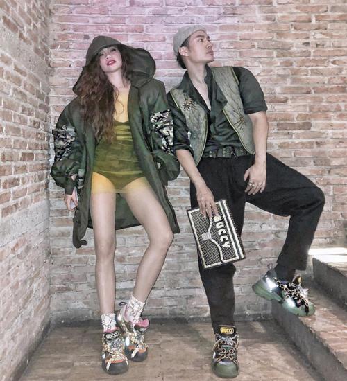 Được Hà Hồ, Lý Quí Khánh - những người đi đầu về thời trang lăng xê, item này chắc chắn sẽ trở thành hot trend mùa thời trang thu - đông năm nay.