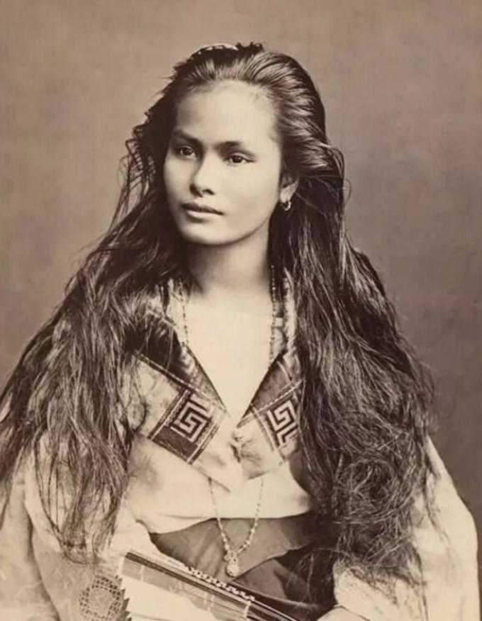 <p> <strong>10. Phụ nữ Luzon - Philippines</strong><br /><br /> Bằng chứng về sự đơn giản là: bạn không cần máy ảnh Nikon và Urban Decay mà vẫn tạo ra một bức ảnh tuyệt vời, bởi cô gái quá đẹp.</p>