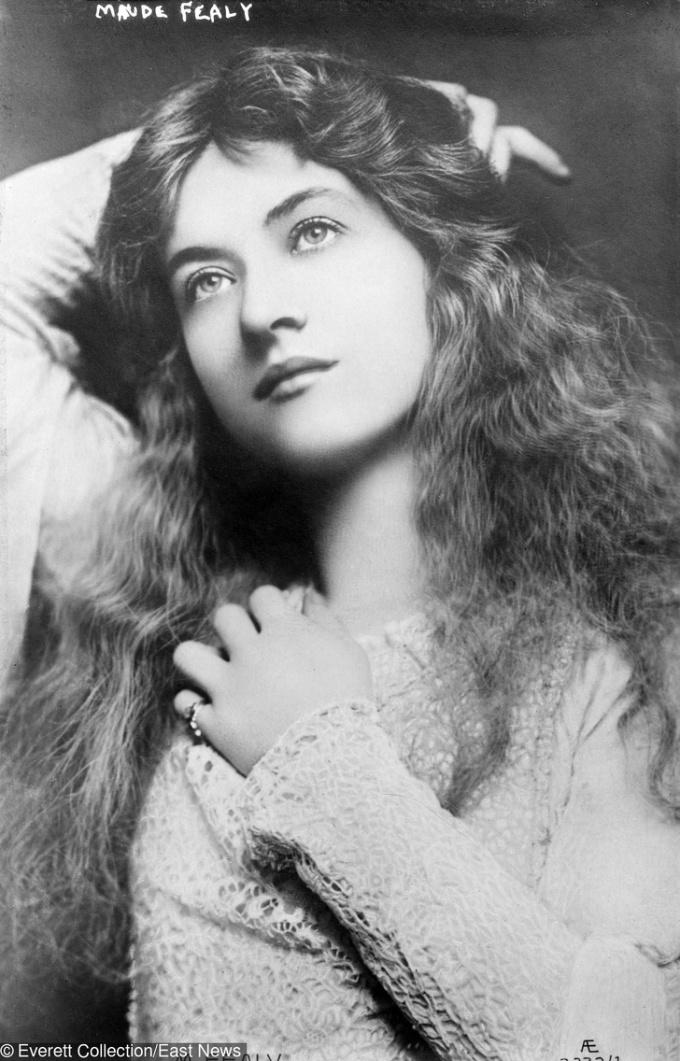 <p> <strong>6. Maude Fealy</strong><strong>(1883 - 1971)</strong><br /><br /> Cô là một nữ diễn viên kịch và phim câm của Mỹ, thời ấy thể loại phim này rất được ưa chuộng.</p>